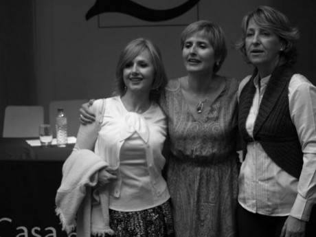 Con mi hermana y con Diana.